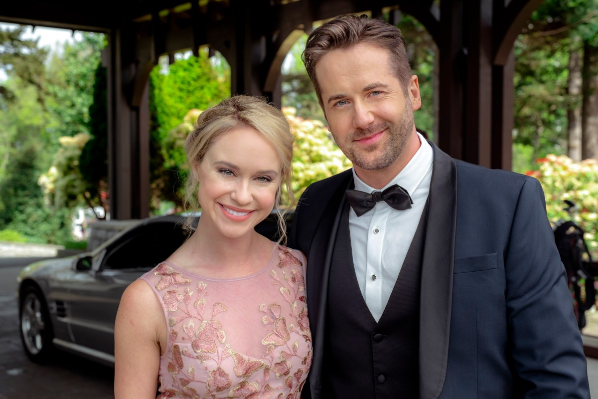 "Preview: ""Love At First Dance"" A Hallmark Channel ""June Weddings"" Original Movie"